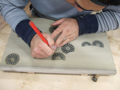 Pictures of carving woodblocks